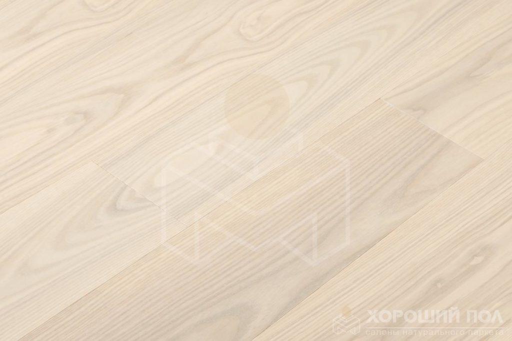 Паркет елка COSWICK Английская елка Ясень Лунный Свет Ренессанс Лак 3-х слойный T&G (шип-паз) Селект энд Бэттер 1268-1136