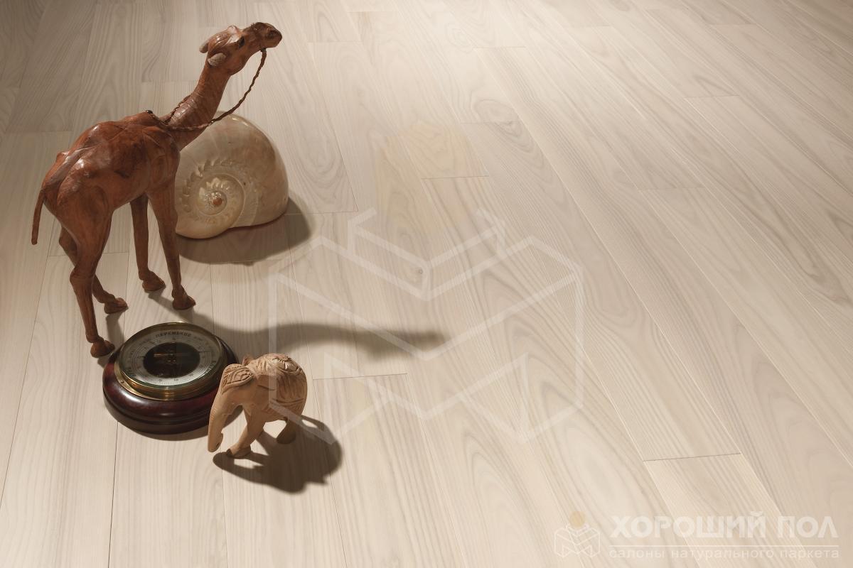 Инженерная доска COSWICK Ясень Лунный Свет Классическая Масло шелковое 3-х слойный T&G (шип-паз) Селект энд Бэттер 1237-1236